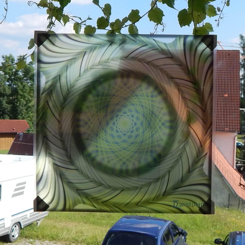 Bild von einer Fensterfolie, welche ein Mandala abbildet