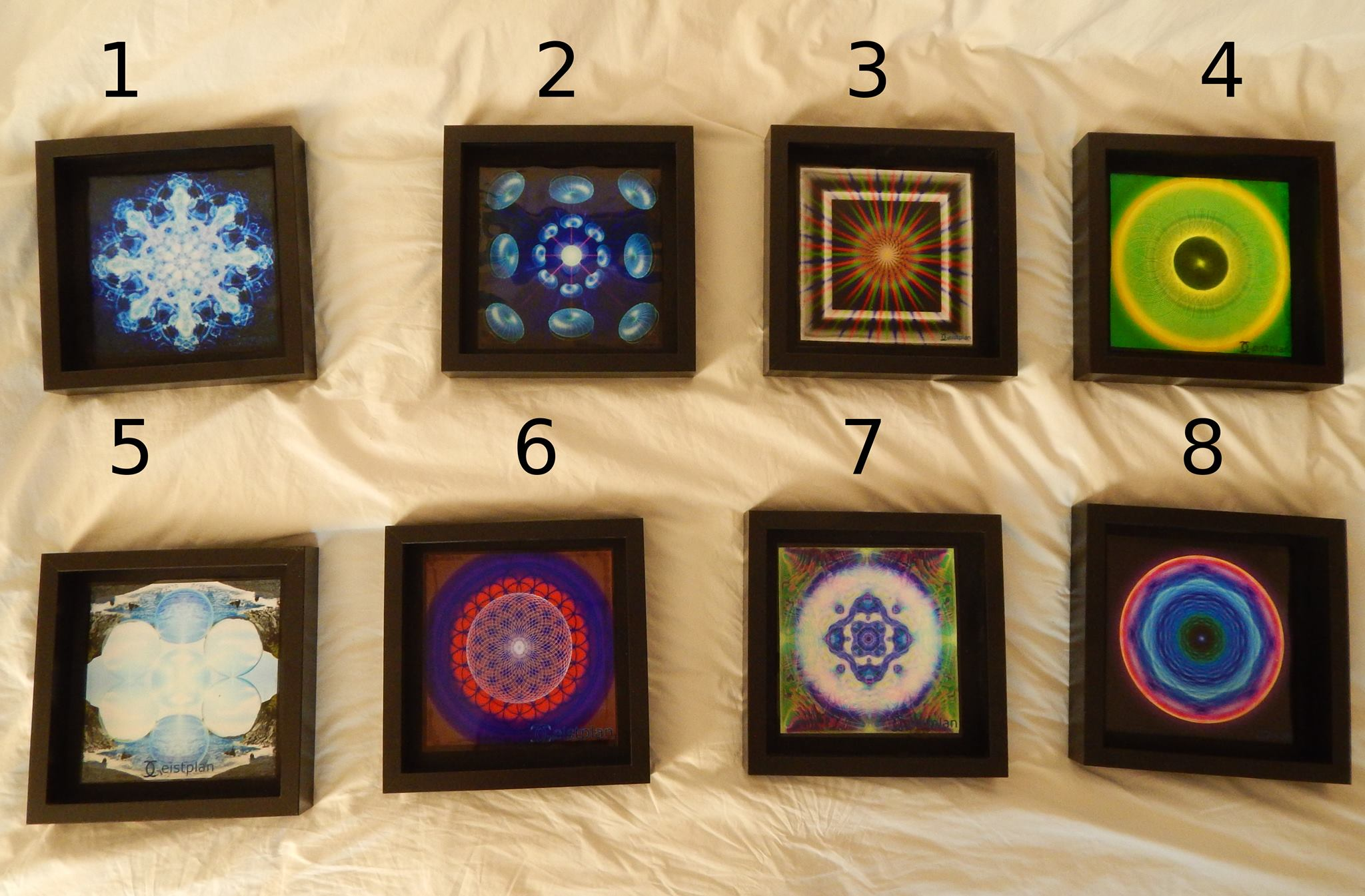 Mandalas und Energriebilder verschiedenster Art in Objektrahmen
