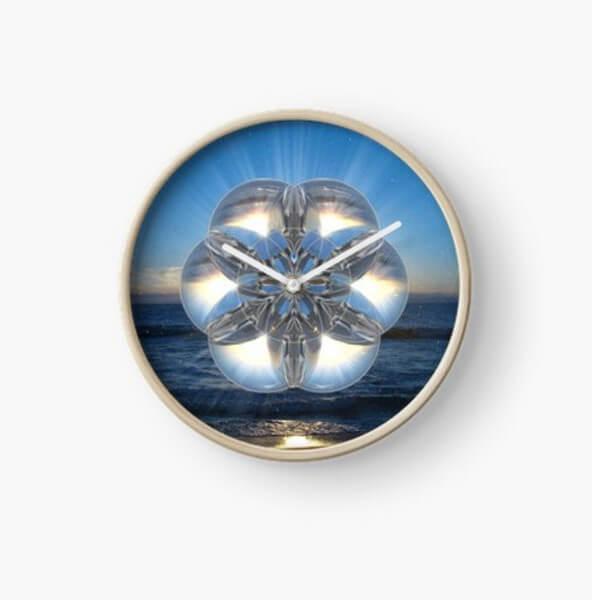 """Bild von einer Uhr mit bedruckten Ziffernblatt mit dem """"Energiebild kristallklare Reinheit"""""""