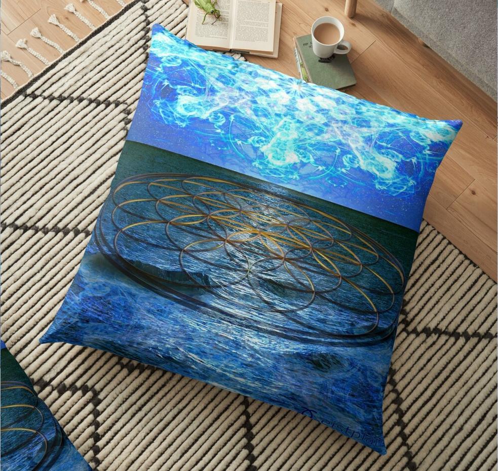 Bild von einem Kissen mit Aufdruck Meer und der Blume des Lebens