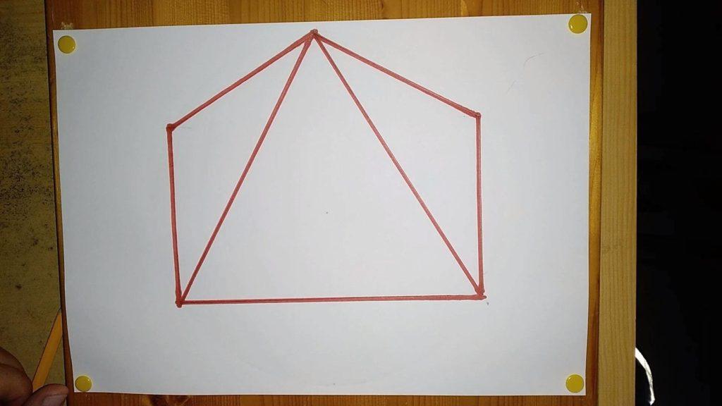 Orthografische Ansicht als 3D Objekt einer Viereckspyramide, welche gezeichnet wurde. Anleitung: eine Pyramide zeichnen