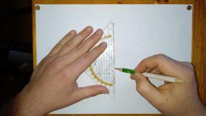 Geodreieick auf DIN A4 Papier