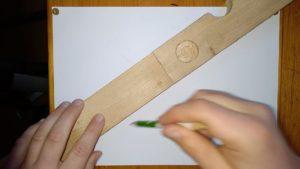 Holzlatte auf Papier