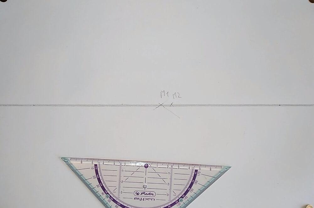 Bild von zwei eingezeichnet Punkten M1 und M2